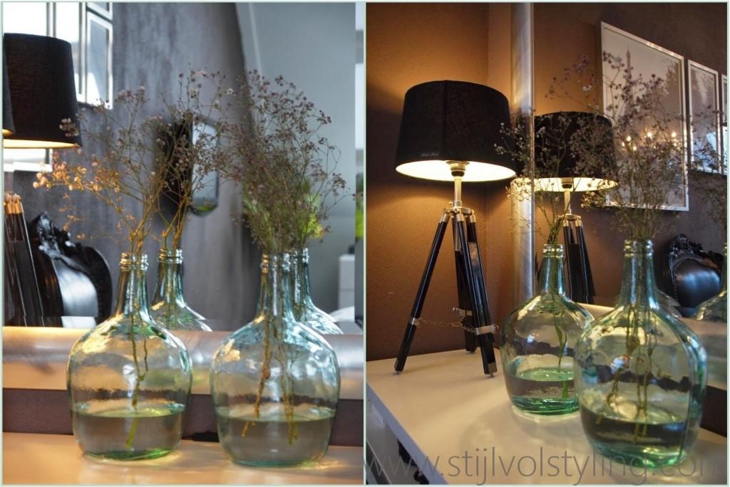 Interieurtrend vazen kruiken flessen van gekleurd glas stijlvol styling woonblog - Kleur trend kamer ...