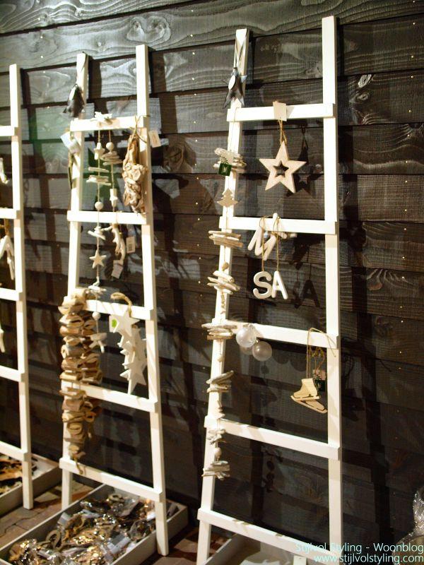 Feestdagen diy 7x het alternatief voor de kerstboom stijlvol styling woonblog - Gang decoratie met trap ...